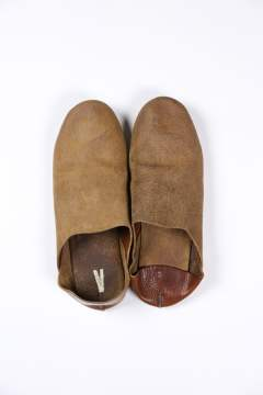ROOM SHOES(BROWN)