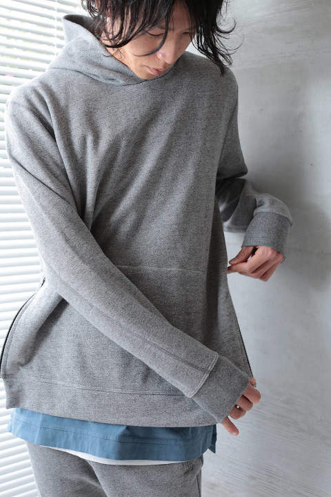 【ラスト1点】HOODED VILLAIN(DARK GREY)