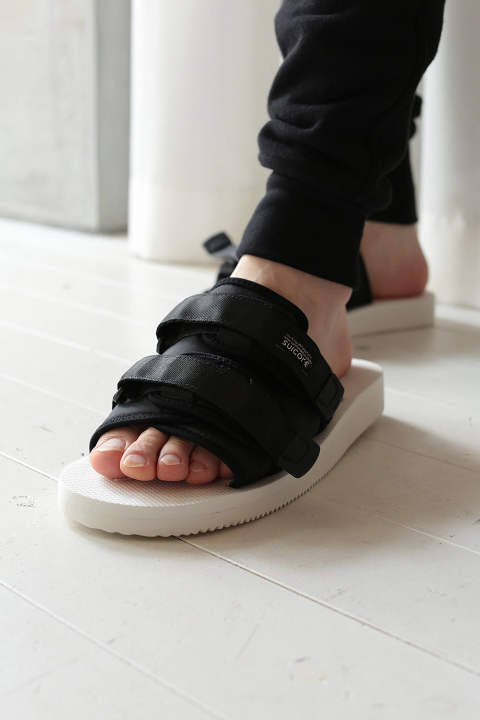 【JOHN  ELLIOTT×SUICOKE】SANDALS(WHITE×BLACK)