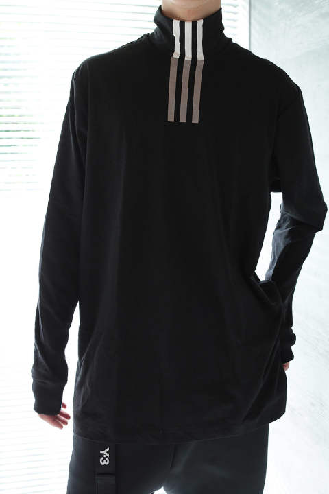 U 3STP HIGH NECK LS TEE(BLACK/CORE WHITE)