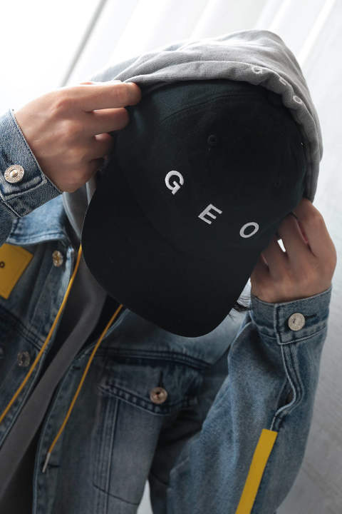 【ラスト1点】GEO ESSENTIAL LOGO HAT(BLACK)