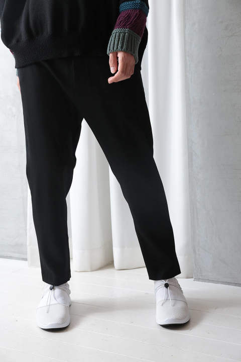 CROPPED PANTS(BLACK)