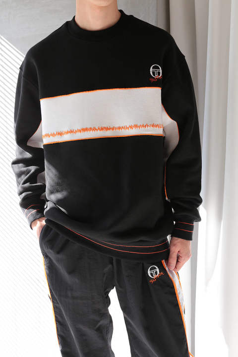 OVERSIZED SWEATER WITH ZIG-ZAG EMBROIDERY ON THE FRONT(BLACK/WHITE/ORANGE)