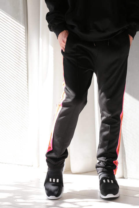 TRACKSUIT PANTS WITH STRIPED INSERTS(BLACK)