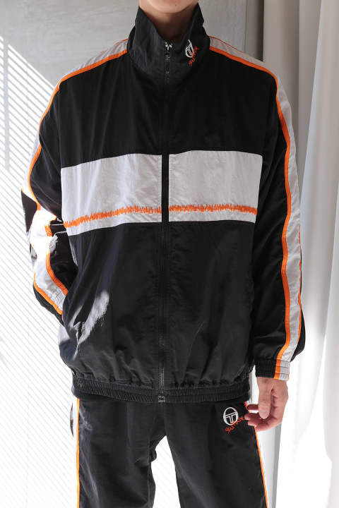【ラスト1点】OVERSIZED TRACKTOP WITH ZIG-ZAG EMBROIDERY ON THE FRONT(BLACK/WHITE/ORANGE)