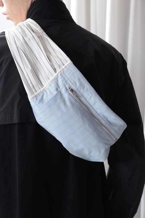 STRIPED SLEEVE BUM BAG(BLUE-WHITE)