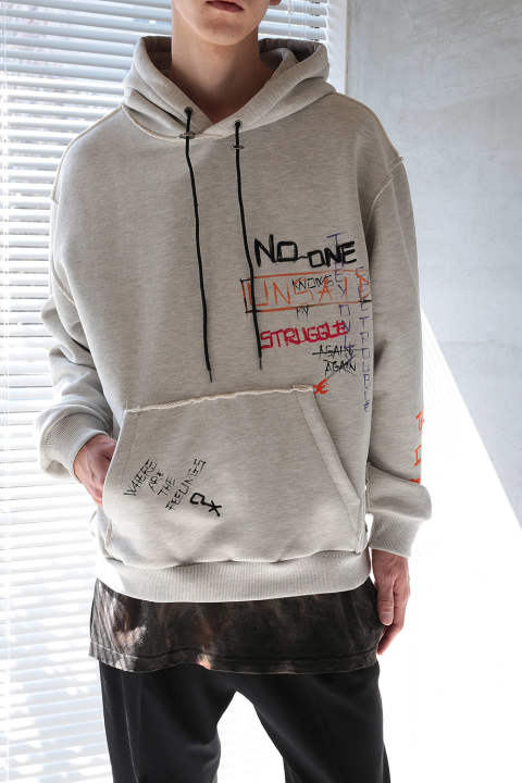 【ラスト1点】OVERSIZED HOODIE ALLOVER HAND PAINTED AND EMBROIDERED WITH RAW CUTS(LIGHT GREY)
