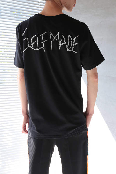 "【ラスト1点】T-SHIRT WITH ""SELFMADE"" LOGO HAND EMBROIDERED ON THE BACK(BLACK)"