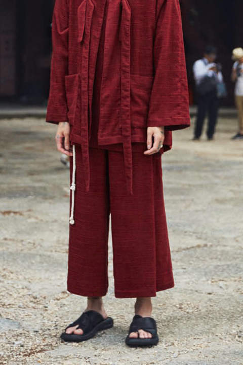 BIG TUCK WIDE PANTS(BORDEAUX)