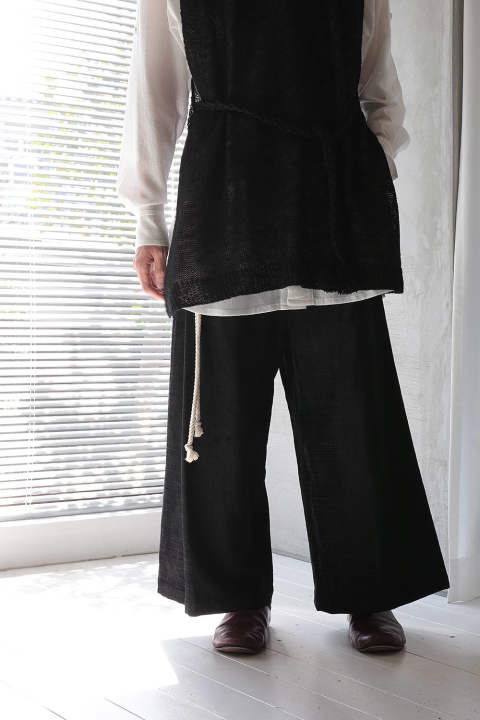 BIG TUCK WIDE PANTS(BLACK)