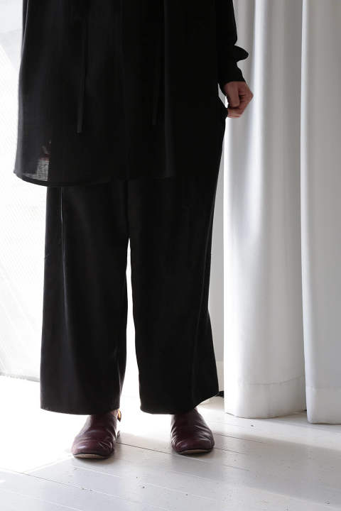 3-TUCKS WIDE PANTS(BLACK)