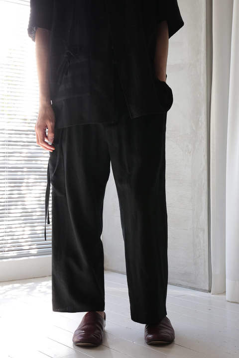2-TUCKS STRAIGHT PANTS(BLACK)