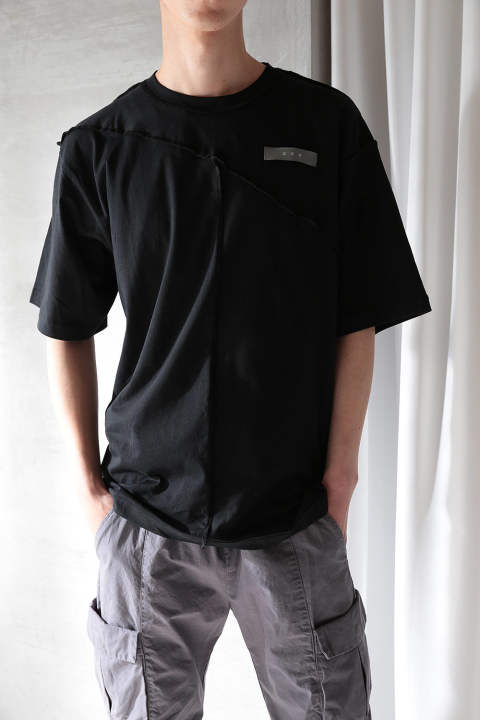 【ラスト1点】RECONSTRUCTED LABEL T-SHIRT(BLACK)