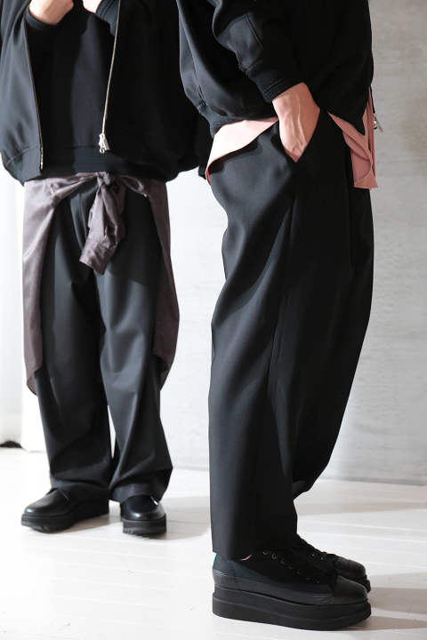 【ラスト1点】WOOL CROPPED PANTS(BLACK)