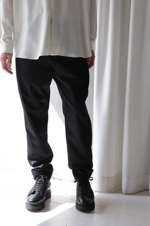 STRAIGHT TUCK PANTS(BLACK)
