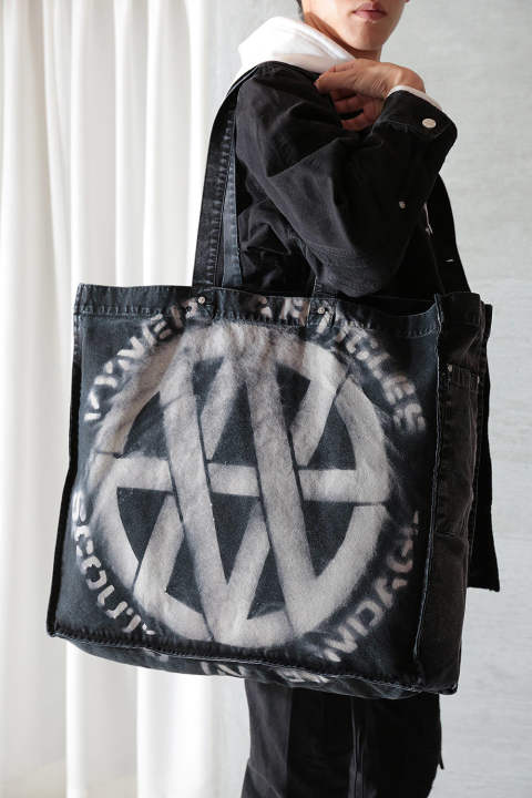 TOTE BAG STENCIL VA LOGO(BLACK/WHITE)
