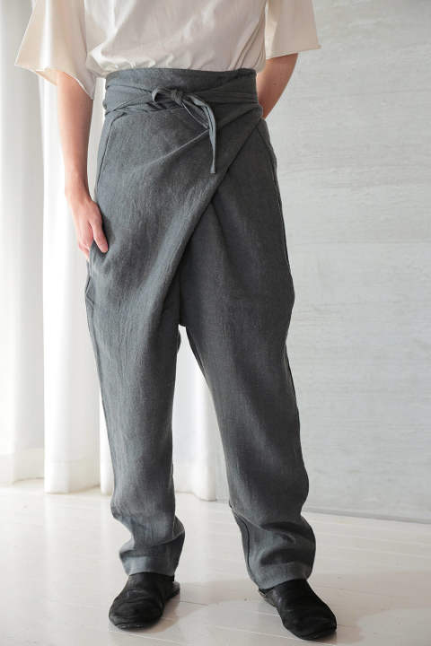 【ラスト1点】ANCIENT FOLK RAMIE LINEN WOOL WRAPPED PANTS(GRAY)