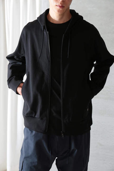 【ラスト1点】M STACKED BADGE FULL-ZIP HOODIE(BLACK)