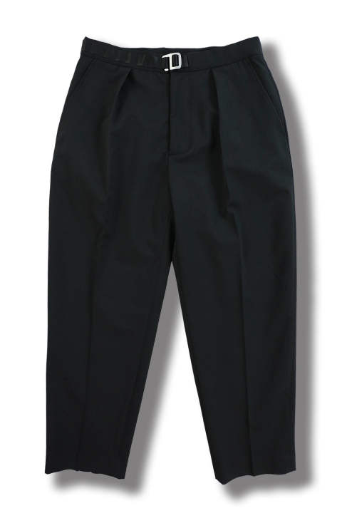 GABADINE PLEATED CROP TROUSERS(BLACK)