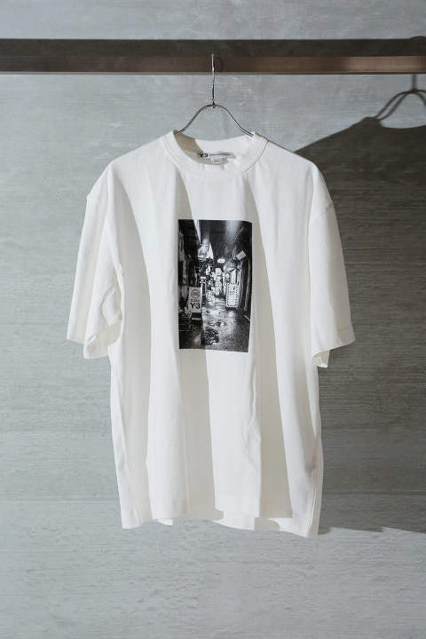 M ALLEWAY GRAPHIC SS TEE(CORE WHITE)