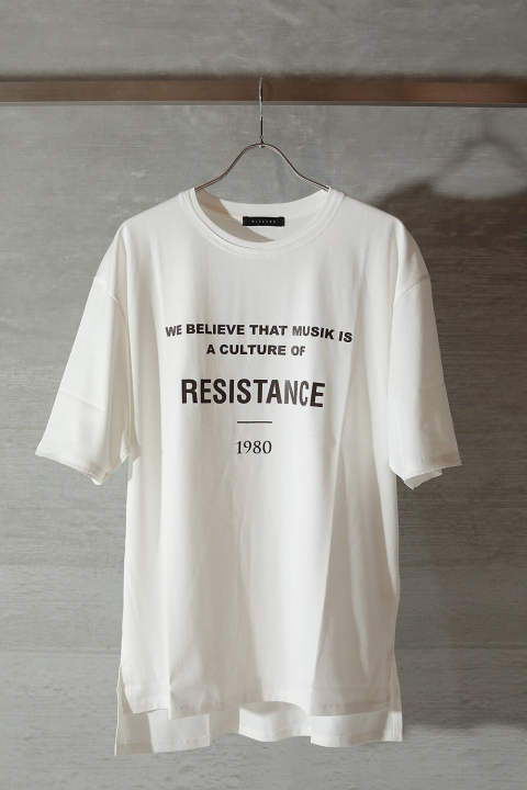 "GRAPHIC T-SHIRT ""RESISTANCE""(OFF WHITE)"
