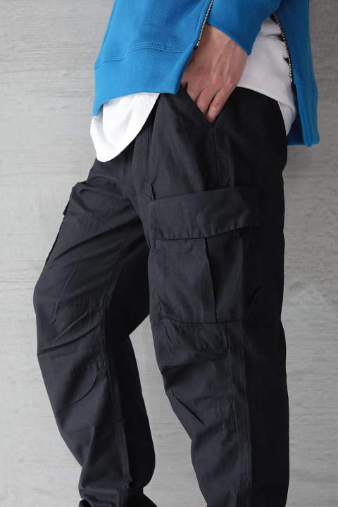 BACK SATEEN CARGO PANTS(BLACK)