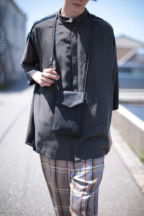 【ラスト1点】black slim letter bag