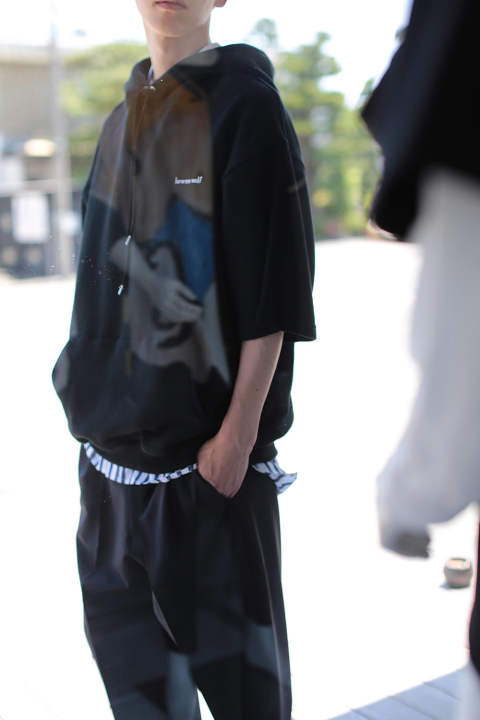 【ラスト1点】SHORT SLEEVES LOWNN WOLF HOODIE(BLACK)