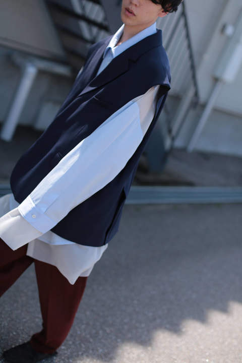 SLEEVELESS JACKET(NAVY)
